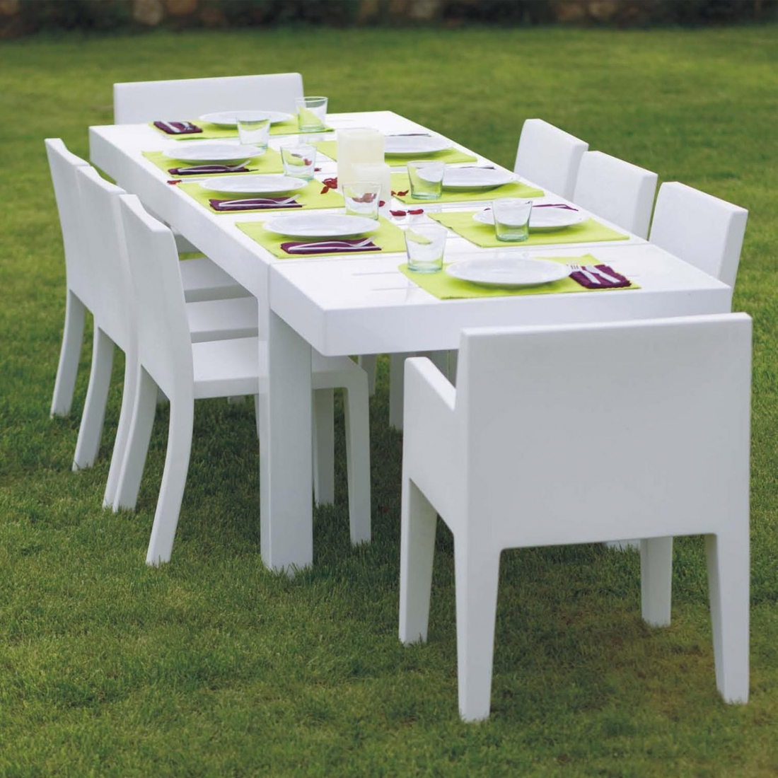 Table de jardin design 12 personnes jut par vondom for Jardin exterieur design