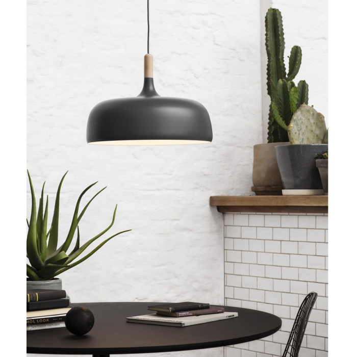 Suspension lumineuse design acorn northern lighting for Suspension lumineuse