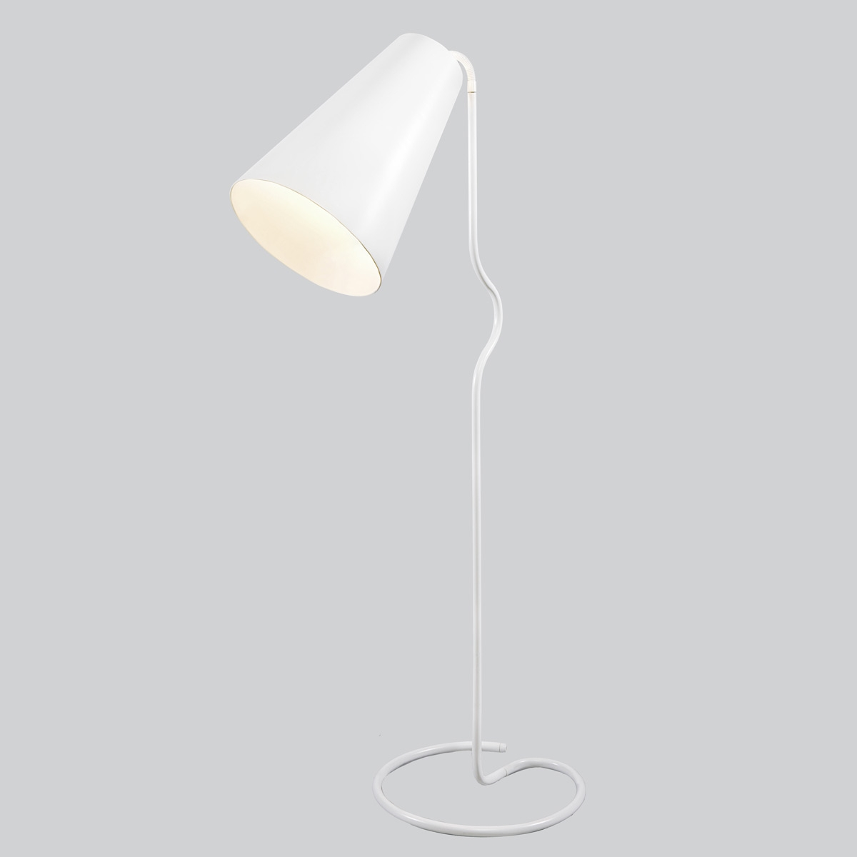 Lampe sur pied design bender northern lighting for Lampe a pied design