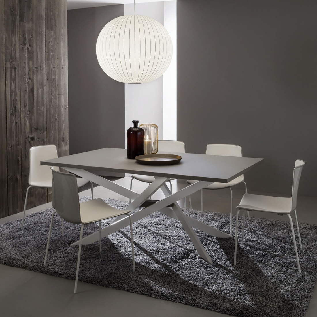 Table salle a manger extensible renzo zendart design for Solde table salle a manger
