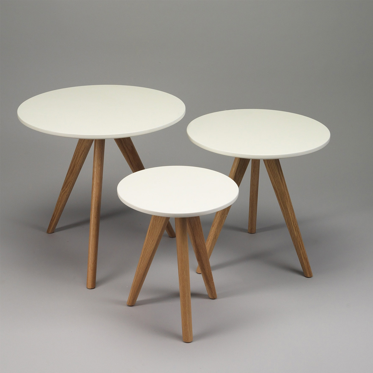 Lot de 3 tables basses pieds compas s lection zendart - Table basse design 3 pieds ...