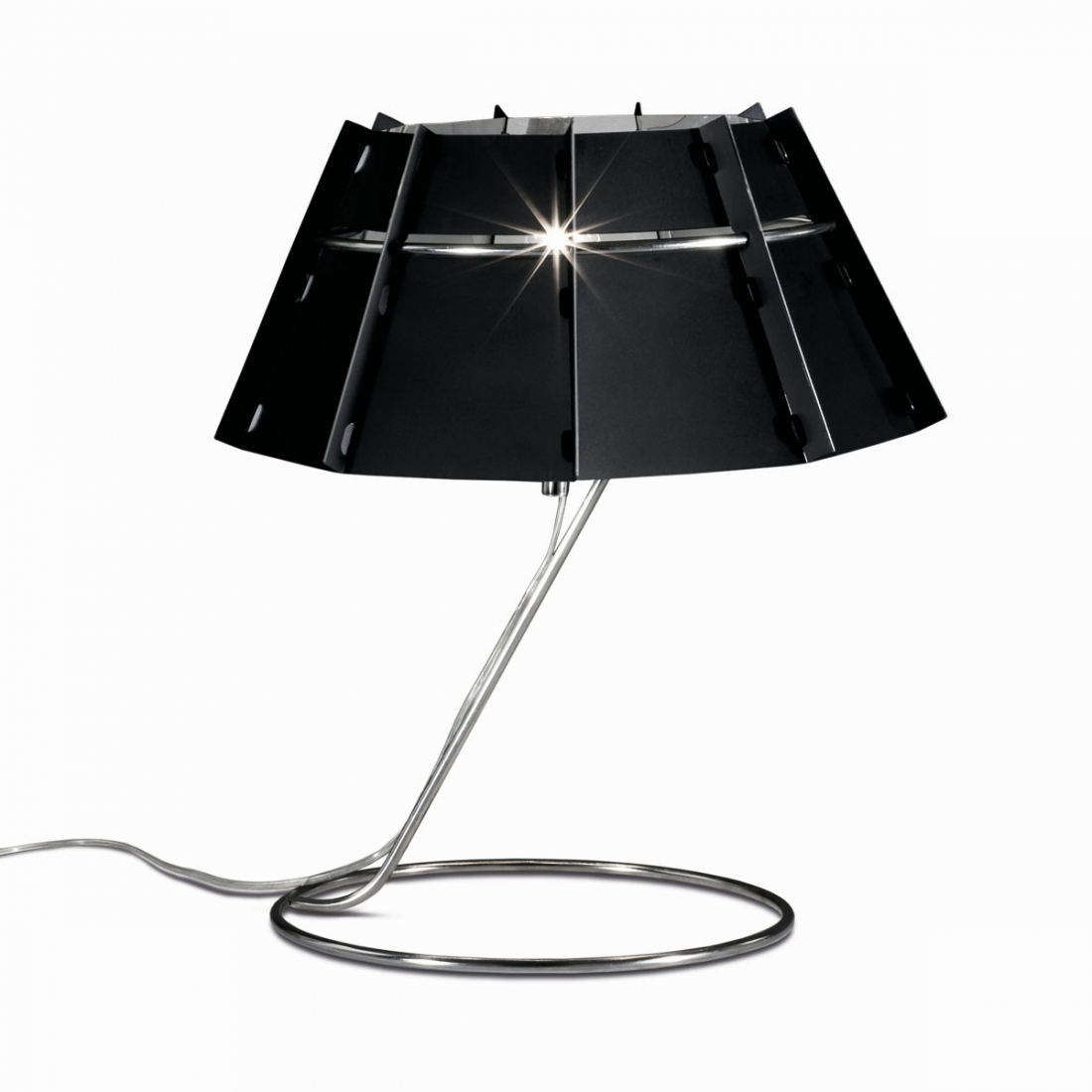 lampe de table design chapeau slamp. Black Bedroom Furniture Sets. Home Design Ideas
