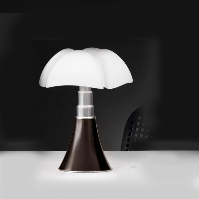 lampe poser martinelli luce pipistrello led lampes poser design. Black Bedroom Furniture Sets. Home Design Ideas