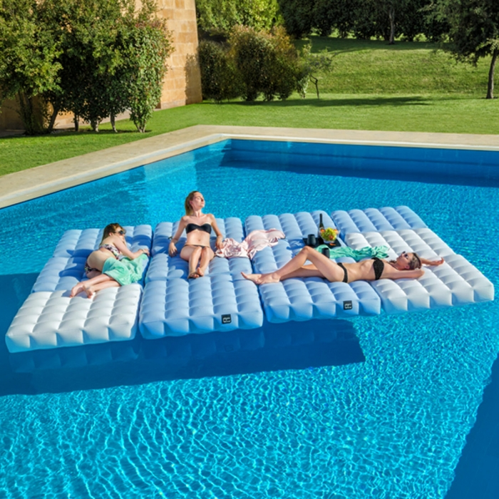 Matelas gonflable pour piscine pigro felice zendart design for Bar gonflable piscine
