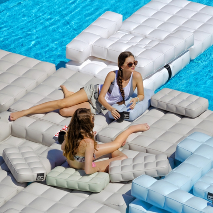 coussin gonflable piscine pigro felice zendart design. Black Bedroom Furniture Sets. Home Design Ideas