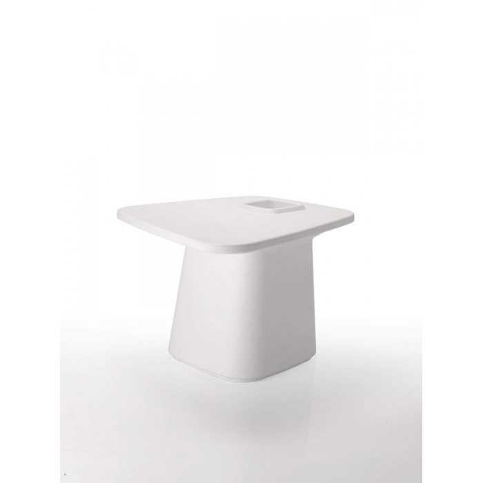 Collection MOMA, table moyenne design