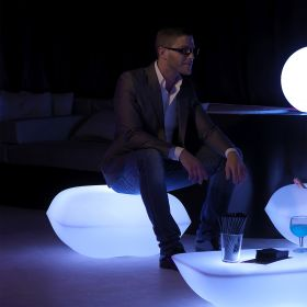 Pouf design VONDOM Pillow, LED RGB
