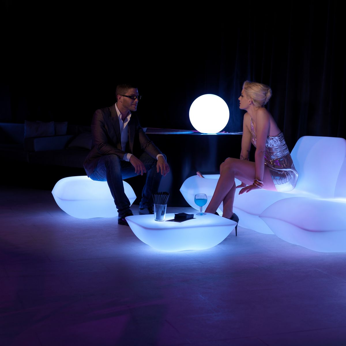 table basse lumineuse led zendart design. Black Bedroom Furniture Sets. Home Design Ideas