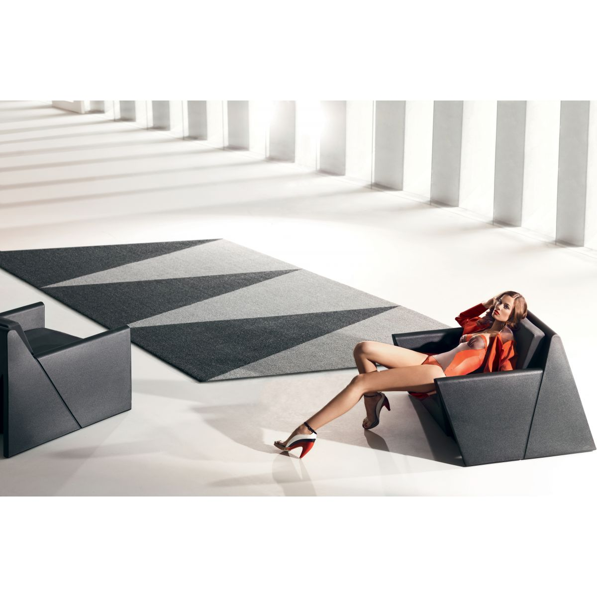 Tapis contemporain design overlap vondom zendart design for Interieur exterieur