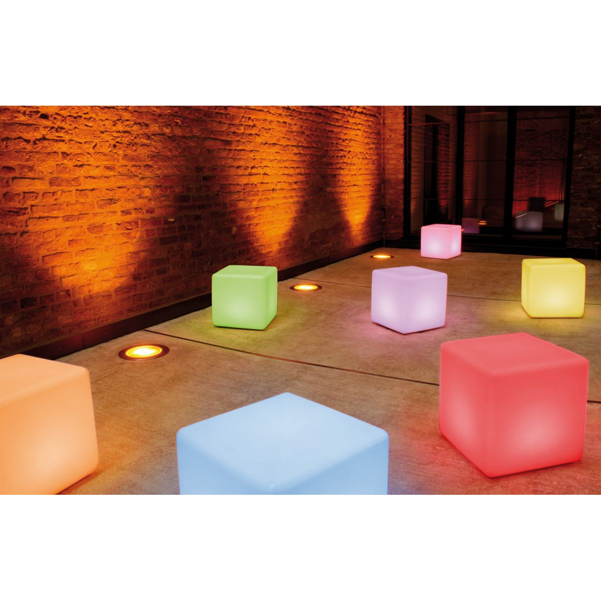 table basse cube int rieur lumineuse led rgb avec batterie moree zendart design. Black Bedroom Furniture Sets. Home Design Ideas