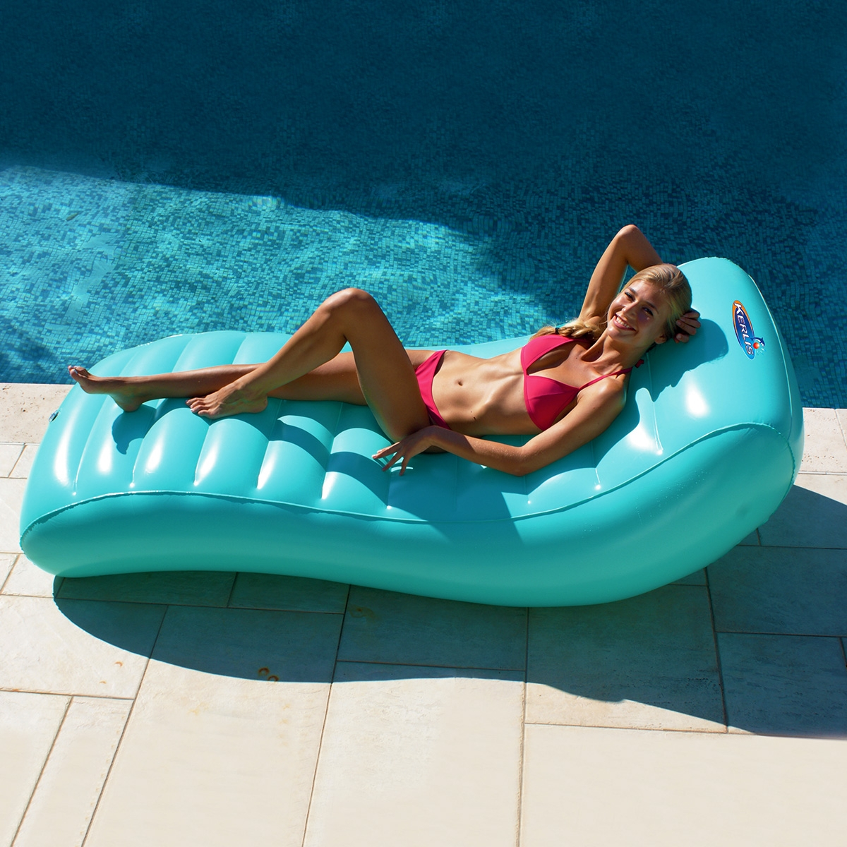matelas de piscine gonflable lounger design kerlis zendart design. Black Bedroom Furniture Sets. Home Design Ideas