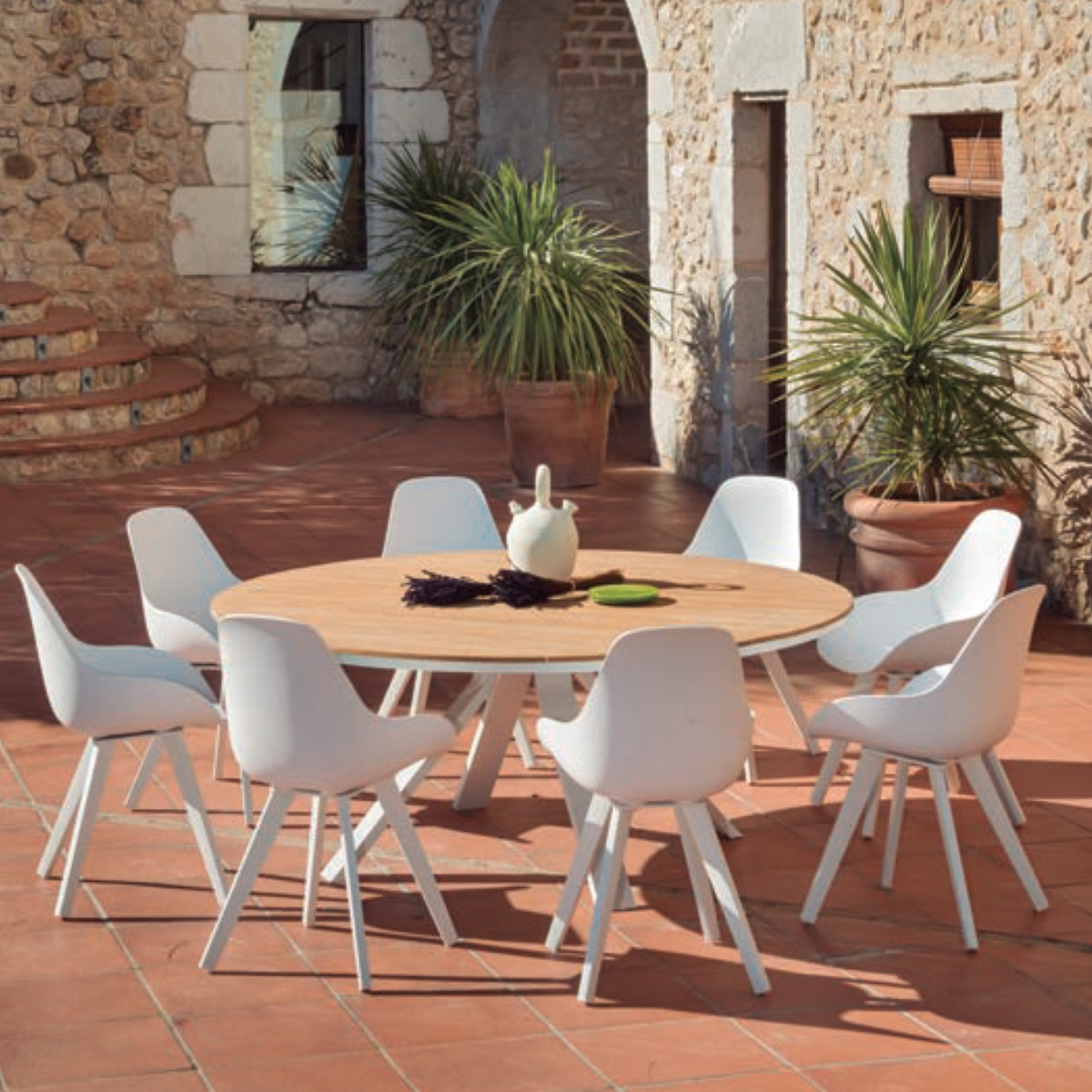 Table exterieur ronde castoria zendart outdoor zendart for Table exterieur 3 metres