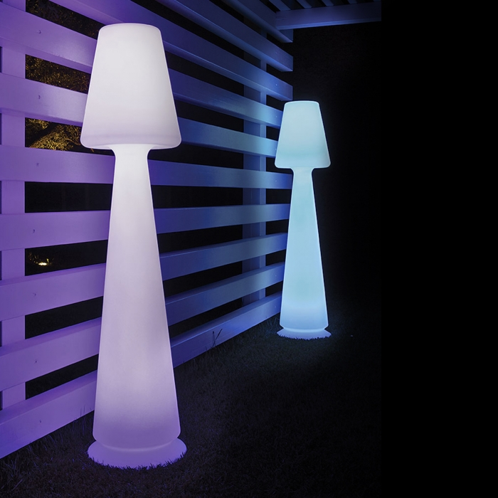 lampe de jardin sur pied chloe led rgb monacis zendart. Black Bedroom Furniture Sets. Home Design Ideas