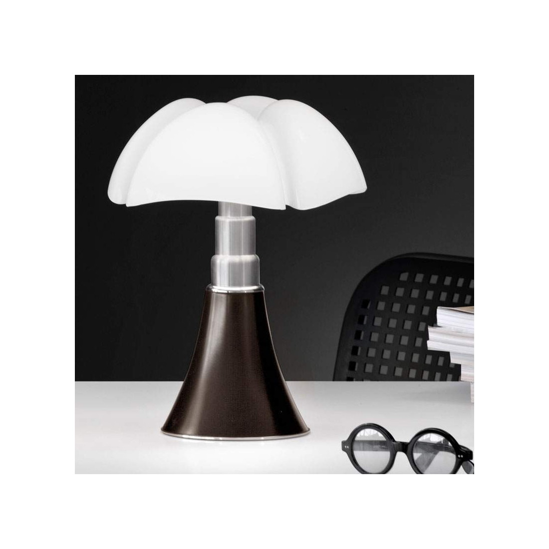 lampe poser martinelli luce pipistrello lampes poser design. Black Bedroom Furniture Sets. Home Design Ideas
