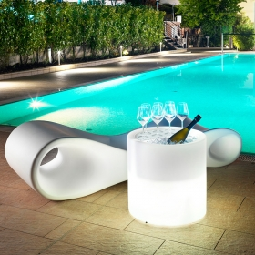 Table basse ronde lumineuse Led RGB à plateau relevable et seau à glace Ø55 x H55 cm Home Fitting Table LYXO