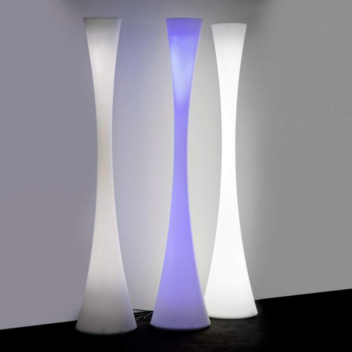 lampadaire martinelli luce biconica led rgb lampadaires design. Black Bedroom Furniture Sets. Home Design Ideas