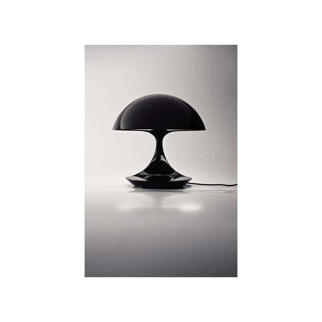 lampe poser martinelli luce cobra lampes poser design. Black Bedroom Furniture Sets. Home Design Ideas