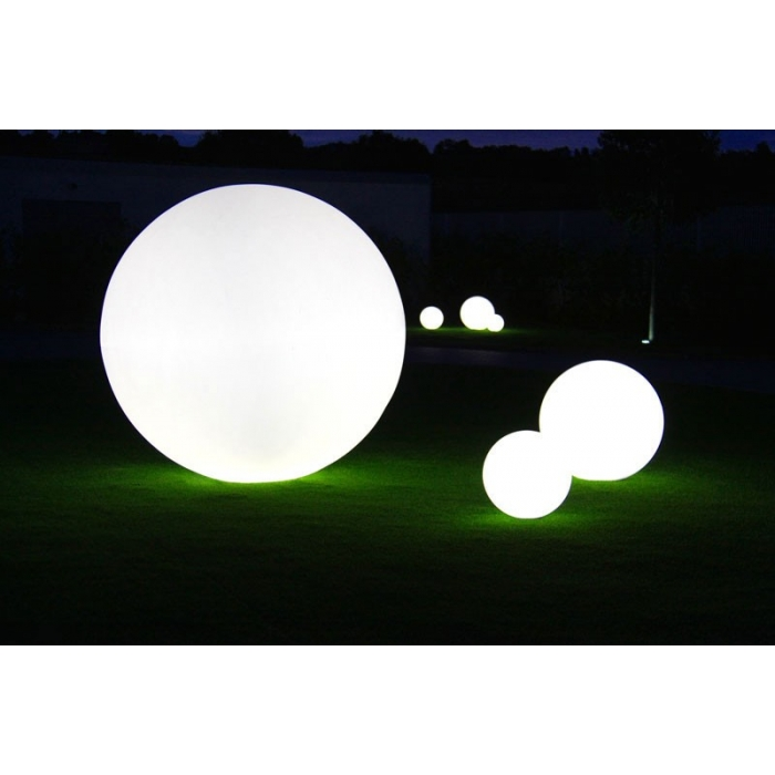 boule lumineuse exterieur 30cm globo de slide zendart design. Black Bedroom Furniture Sets. Home Design Ideas