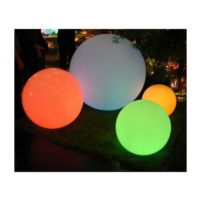 Globe lumineux exterieur globo led rgb slide zendart design for Lampe led exterieur design