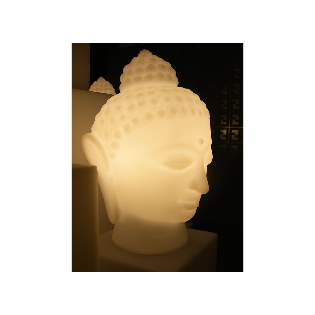 lampe de table design slide buddha led rgb lampes poser design. Black Bedroom Furniture Sets. Home Design Ideas