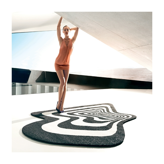 Tapis d exterieur design twist shout vondom zendart design for Tapis exterieur design