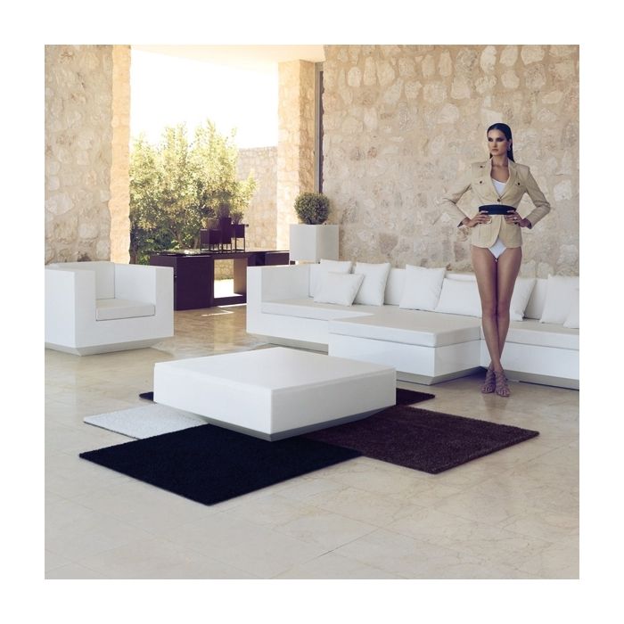 tapis moderne design vela vondom zendart design. Black Bedroom Furniture Sets. Home Design Ideas