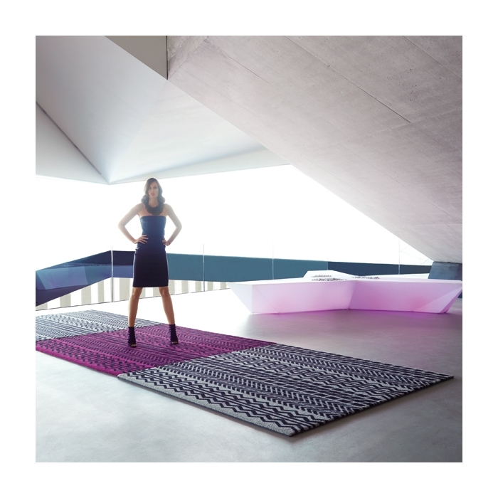 Tapis design piano piano vondom zendart design Tapis synthetique exterieur