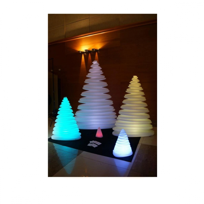 Grand sapin de no l lumineux chrismy for Sapin led interieur