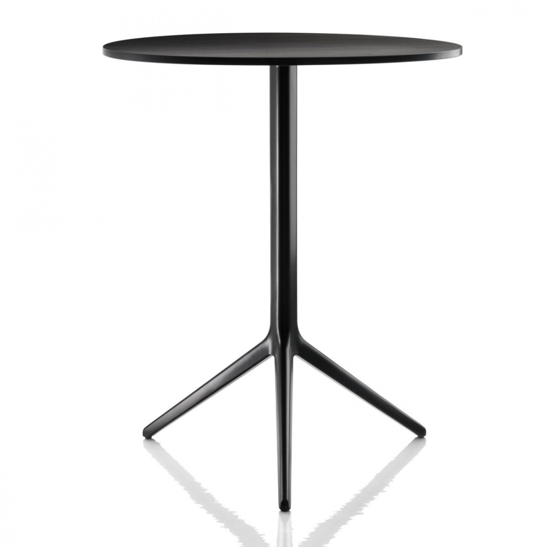 Table jardin pliante magis central zendart design for Plateau table exterieur