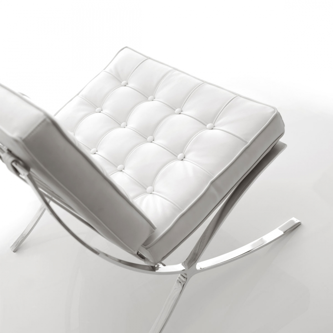 Guide d co r ussir son salon design blanc blog zendart - Fauteuil salon design ...
