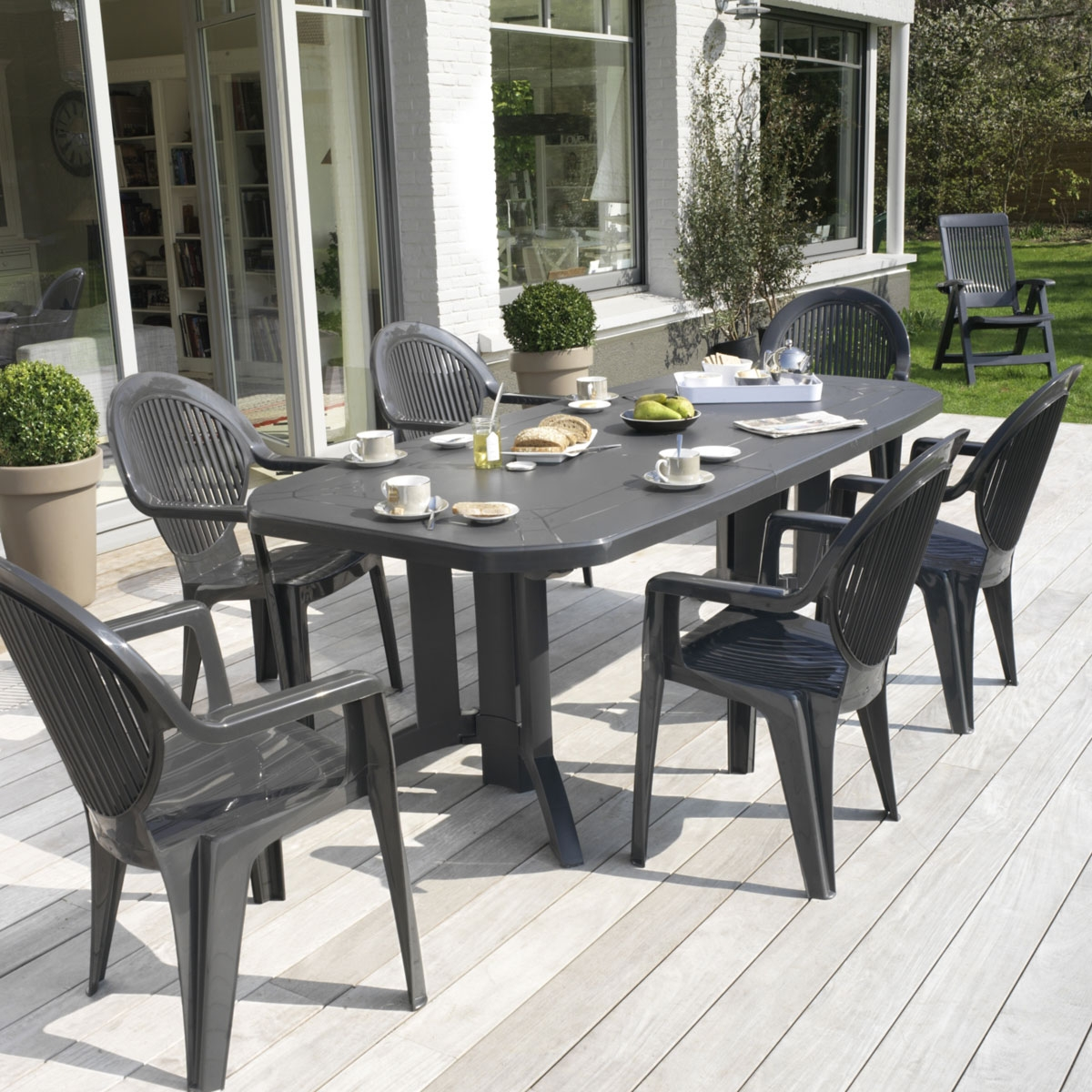 Table de jardin ovale design grosfillex vega 220x100x72 for Table jardin design