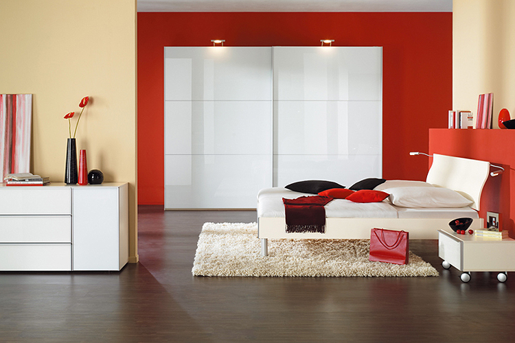 Guide d co le design rouge pour une d co intense blog for Chambre couple romantique